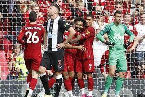 Ngược dòng hạ Newcastle, Liverpool nối dài mạch thắng