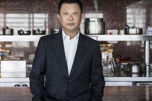 Tỉ phú lẩu Trung Quốc bị tẩy chay vì âm thầm nhập tịch Singapore