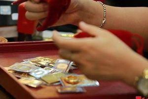Giá vàng hôm nay (15/9): Lao dốc thảm hại, nhà đầu tư lao đao