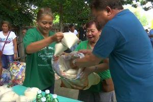 Ngôi làng đổi rác thải lấy đồ ăn để bảo vệ môi trường