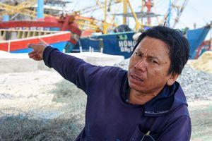 Hàng loạt tàu cá tiền tỷ hoang phế ở làng chài Quảng Ngãi
