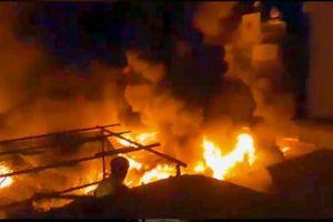Cháy chợ, tiểu thương thiệt hại hàng tỷ đồng