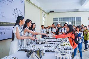 Sinh viên và các bạn trẻ được hưởng lợi từ Hành trình