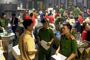 TP HCM: Hàng chục dân chơi phê ma túy trong quán bar