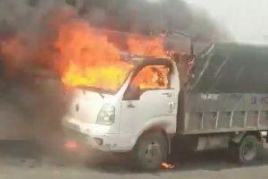 Xe tải đang chạy bỗng cháy ngùn ngụt trên cao tốc Hạ Long - Hải Phòng