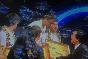 Nam sinh THPT Chuyên Phan Bội Châu - Nghệ An vô địch Đường lên đỉnh Olympia năm 2019