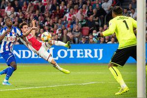 SC Heerenveen thua đậm Ajax, Đoàn Văn Hậu chưa tới Hà Lan vì vướng thủ tục