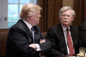 Nguyên nhân khiến mối quan hệ Trump-Bolton đổ vỡ