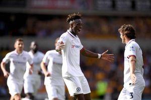 Tammy Abraham lập hattrick, Chelsea đè bẹp Wolverhampton