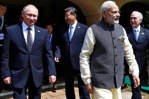 Ấn Độ-Trung Quốc lạnh nhạt, Nga cố gắng nồng ấm với cả hai