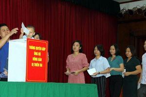 Quyên góp giúp đỡ người dân vùng lũ lụt Nam Lào