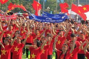Nghệ An: Hàng ngàn cổ động viên tiếp lửa cho nhà leo núi olympia Trần Thế Trung