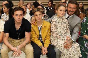David Beckham và các con đến cổ vũ buổi trình diễn của Victoria