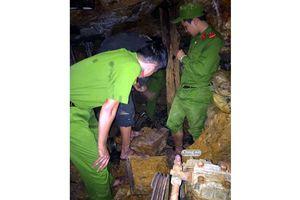 Phát hiện 20 lán trại và hơn 100 'vàng tặc' ở mỏ vàng Bồng Miêu