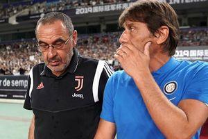 Hai cựu HLV Chelsea đại chiến: Sarri: 'Đá dưới trời nóng rất khó', Conte: 'Ông ta ở đội mạnh mà'