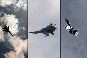 Máy bay chiến đấu Su-35 của Nga bay thử nghiệm qua Thổ Nhĩ Kỳ