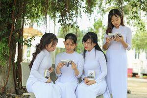 Chuyến xe chở tri thức về đến quê hương Đồng Khởi
