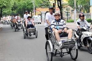 Việt Nam đang tiến gần đến mục tiêu đón 18 triệu lượt khách quốc tế