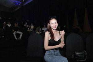 Ninh Dương Lan Ngọc xuất hiện tươi tắn xứng danh 'Ngọc nữ điện ảnh Việt' trong buổi tổng duyệt lễ ra mắt mạng xã hội Lotus