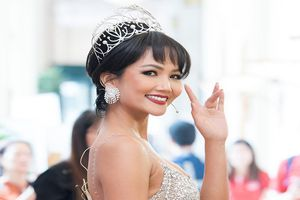 Chán tóc dài, hoa hậu H'Hen Niê lại để tóc tém và khoe vòng một căng đầy