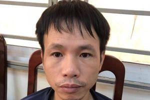 Bắt cổ động viên Nam Định bắn pháo sáng trên sân Hàng Đẫy