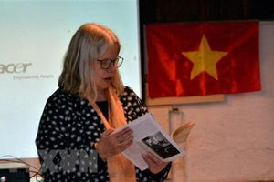 Bạn bè Thụy Sĩ tưởng niệm 50 năm ngày mất của Chủ tịch Hồ Chí Minh
