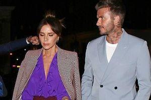 Vợ chồng David Beckham nắm tay vui vẻ đi ăn tối sau tin đồn ly hôn