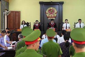 Gian lận thi cử ở Sơn La: Triệu tập không đến có thể áp giải tới Tòa?