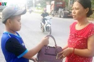 Một học sinh ở Thanh Hóa nhặt được hơn 70 triệu đồng, trả người mất
