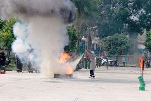 Công an quận Thanh Xuân giành giải Nhất thi nghiệp vụ chữa cháy