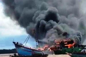 Tàu cá tự cháy, thiệt hại trên 8 tỉ đồng