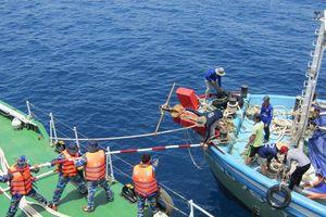 Ký kết chương trình 'Cảnh sát biển đồng hành với ngư dân'