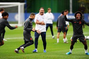 Chelsea vs Valencia: Bay cao cùng Frank Lampard