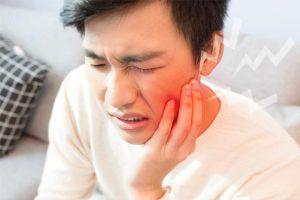 Chủ quan với cơn đau răng, nam thanh niên không ngờ bị khối u ăn mòn nửa hàm dưới