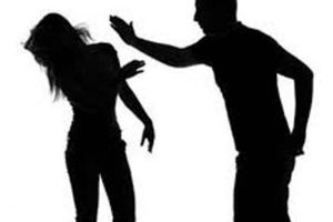 Bỏ ra ngoài sau khi đánh vợ, quay về phát hiện vợ tử vong