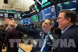 Các thị trường chứng khoán thế giới chìm trong sắc đỏ