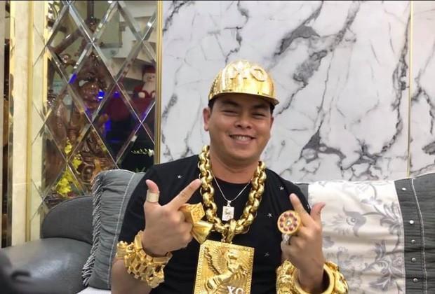 Người đeo vàng giả nhiều nhất Việt Nam Phúc XO bị truy tố