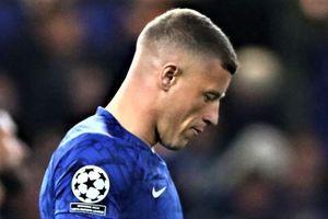 Tiền vệ Chelsea bị chỉ trích vì giành đá 11 m và sút hỏng