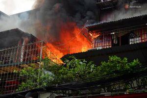 Hà Nội: Cháy lớn tại căn hộ ở khu tập thể Kim Liên
