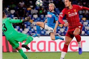 Hàng thủ 'tạo phản', Liverpool đại bại tại Napoli