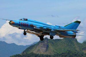 Bất ngờ khả năng chiến đấu của máy bay huấn luyện Su-22UM3K Việt Nam