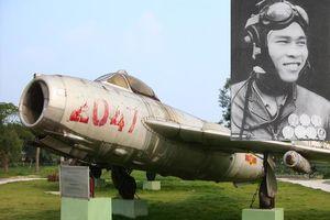 Chiến công huyền thoại cùng máy bay MiG17 của anh hùng Nguyễn Văn Bảy