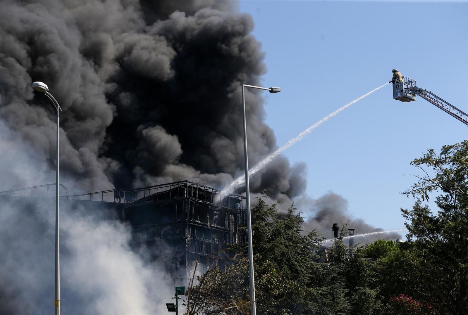 Cháy nhà máy hóa chất trong khu công nghiệp, ít nhất 7 người bị thương