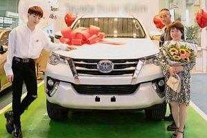 Có Range Rover Evoque, ca sĩ Đức Phúc tậu thêm cả Toyota Fortuner