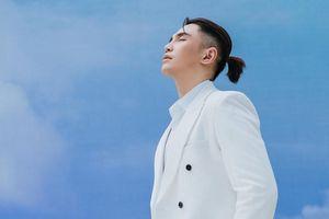 Will tái xuất với tóc đuôi ngựa: Là ngôn tình hay chuyện đam mỹ?