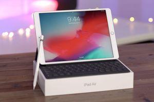 iPad 9,7 inch đời 2018 giảm giá chỉ còn 6,7 triệu đồng