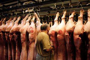 Khan hiếm nguồn cung, Trung Quốc 'xả kho' 10.000 tấn thịt lợn dự trữ chiến lược