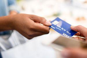 Ngân hàng nào phát hành thẻ ATM đầu tiên ở Việt Nam?
