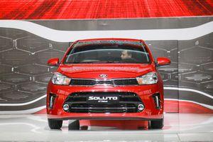 Rẻ hơn 115 triệu đồng, Kia Soluto có cạnh tranh được Toyota Vios?