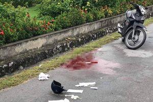 Người phụ nữ gục dưới vũng máu gần cầu Bãi Cháy